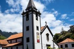 钦琼特佩克火山教区教堂在马德拉岛葡萄牙的海岛上的 库存图片