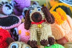 钩针编织玩偶手工制造艺术和工艺 库存照片
