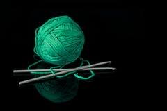 钩针编织以绿色 免版税库存图片