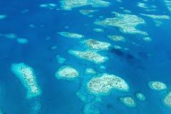 钯金岛从上面 免版税库存图片