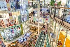 钯购物中心在布拉格为圣诞节装饰了 库存照片