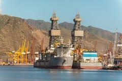 钻井船ENSCO DS 5 & DS 4 库存图片