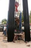 钻工上油工作 免版税库存照片