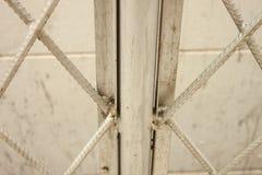 铁丝网墙壁。 库存图片