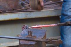 铁匠做高热金属独特的铁上升了 库存图片