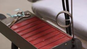 铁在针织品工厂 影视素材