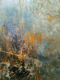 铁板材 难看的东西背景蓝色,老油漆纹理  免版税库存图片