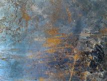 铁板材 难看的东西背景蓝色,老油漆纹理  免版税图库摄影