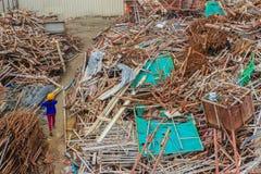 铁棍从建造场所废弃左,并且可以是sel 免版税库存照片