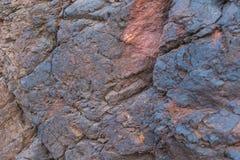 铁矿纹理特写镜头-自然矿物在矿 露天开采矿石纹理  矿物的提取重的 免版税库存照片