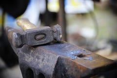铁砧锤子 免版税库存图片