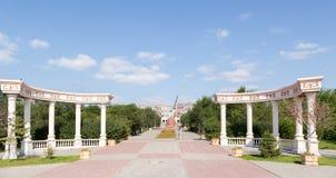 铁米尔套,哈萨克斯坦- 2016年8月13日:专栏在城市 免版税库存图片