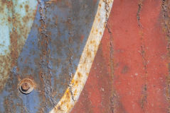 铁表面用老油漆、切削的油漆、巨大背景或者纹理报道您的项目的 免版税库存照片
