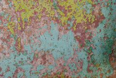 铁表面,纹理背景上的切削的油漆 库存照片