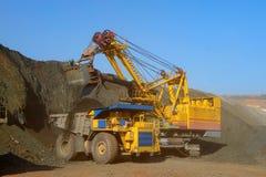 铁装载矿石 库存照片
