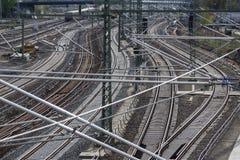 铁路、铁路轨道、铁路和电源线 免版税图库摄影