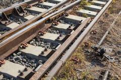 铁路交叉线在农村的泰国 免版税库存照片