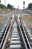 铁路交叉线在农村的泰国 免版税图库摄影