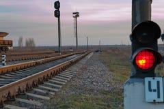 铁路和终止光 免版税库存图片