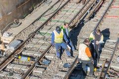 铁路工作,地铁整修 库存图片