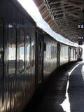铁路平台在天,印度 免版税库存照片