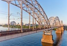 铁路桥在基辅,乌克兰 库存照片
