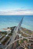 铁路桥梁被连接到关西国际机场 免版税库存照片