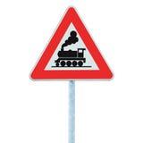 铁路没有前面障碍或门的平交路口标志,当心火车路旁蒸汽引擎活动标志路标 免版税库存图片