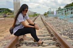 铁路火车的曼谷泰国画象泰国妇女 免版税库存图片