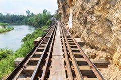 铁路第二次世界大战桥梁死亡在tham krasae的驻防kanchanaburi泰国 免版税图库摄影