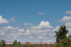 铁路红色桥梁 免版税库存图片