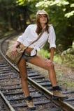铁路轨道妇女年轻人 图库摄影