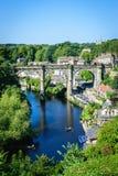 铁路高架桥看法在河Nidd的 免版税库存照片