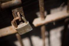 铁锁定 库存照片