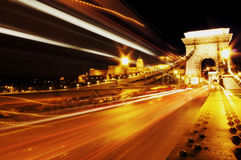 铁锁式桥梁在晚上布达佩斯 库存图片
