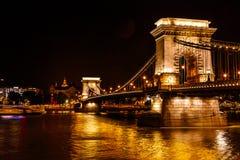 铁锁式桥梁多瑙河St斯蒂芬斯大教堂布达佩斯匈牙利 库存图片