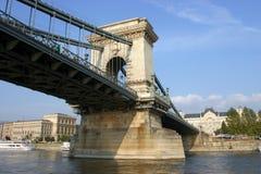 铁锁式桥梁-布达佩斯匈牙利 免版税图库摄影