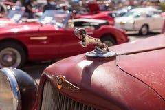 铁锈红色1971推托卡车 库存照片
