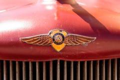铁锈红色1971推托卡车 库存图片