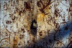 铁锈门 锁定老 免版税库存照片