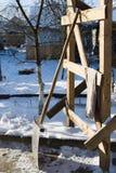 铁锹和雪 免版税库存照片
