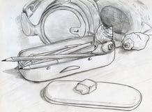 铅笔和壳在桌上 库存照片