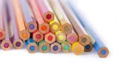铅笔在白色背景上色 免版税库存照片