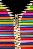 铅笔用拉锁拉上垂直 免版税库存图片
