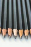 铅笔行垂直 免版税库存照片