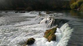 铆钉Mreznica和它是瀑布 免版税库存照片