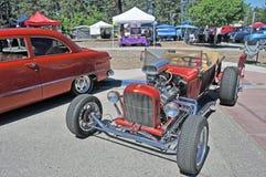 铜旧车改装的高速马力汽车 库存照片