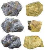 黄铜矿石头和水晶在方铅矿岩石 免版税图库摄影