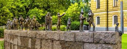 铜雕塑时间消逝在玛丽亚Silfvan ` s公园,奥卢 库存照片