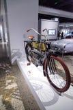 黄铜1904四缸摩托车 库存照片